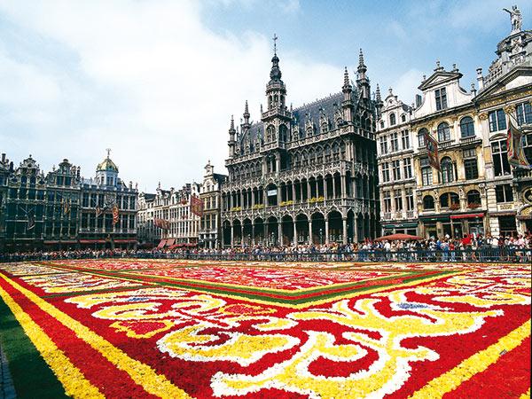 Blumenteppich in Brüssel und Schiffshebewerk Strepy-Thieu Image