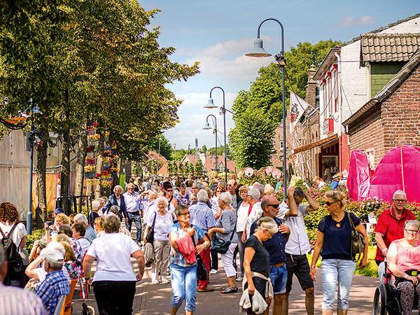 Kempen und das Rosenfest in Lottum (NL) Image