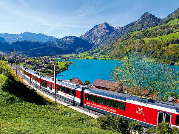 Im Herzen der Schweiz mit Bus, Zug und Schiff Image