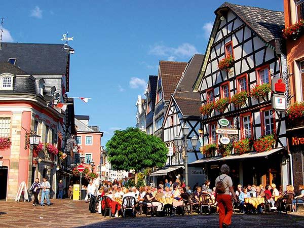 Ahrweiler und Weinfest in Mayschoß Image